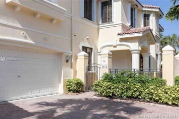 Home for Sale at 1614 Passion Vine Cir #29-2, Weston FL 33326