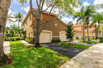 Home for Sale at 3802 San Simeon Cir, Weston FL 33331