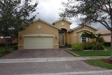 Home for Rent at 19337 S Whitewater Ave, Weston FL 33332
