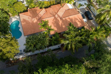Home for Rent at 3387 Ah We Wa, Coconut Grove FL 33133