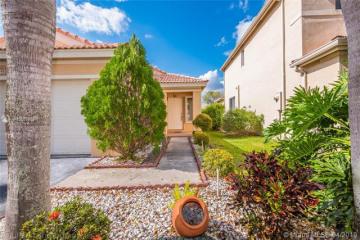 Home for Sale at 4291 Magnolia Ridge Dr, Weston FL 33331