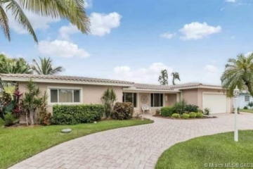 Home for Rent at 3741 NE 25th Ave, Lighthouse Point FL 33064