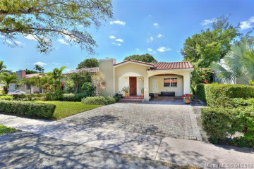Home for Rent at 516 Mendoza Ave, Coral Gables FL 33134