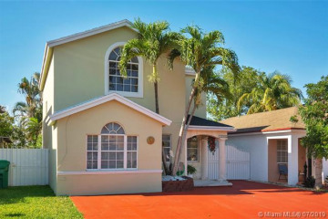 Home for Sale at 13966 SW 161st Ter, Miami FL 33177