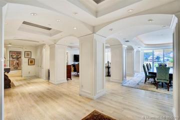 Home for Sale at 19925 NE 39th Pl #201, Aventura FL 33180