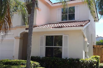 Home for Sale at 1080 Pin Oak St, Hollywood FL 33019