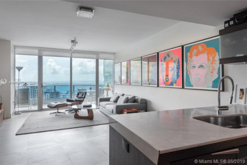 Home for Sale at 200 Biscayne Boulevard Way #4305, Miami FL 33131