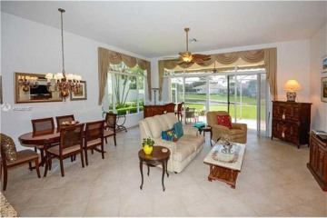 Home for Rent at 2523 Bay Pointe Ct, Weston FL 33327