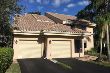 Home for Sale at 16332 Malibu Dr, Weston FL 33326
