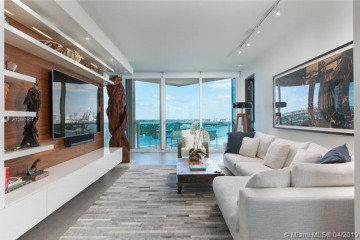 Home for Rent at 300 S Pointe Dr #1502, Miami Beach FL 33139