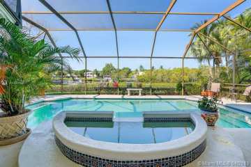 Home for Sale at 18171 SE Ridgeview Dr, Tequesta FL 33469