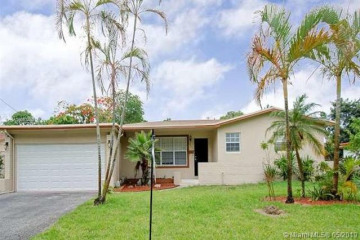 Home for Sale at 4847 NW 1st Ct, Plantation FL 33317