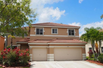 Home for Rent at 1535 Sandpiper Cir, Weston FL 33327