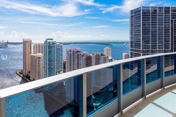 Home for Sale at 200 Biscayne Boulevard Way #4801/11, Miami FL 33131
