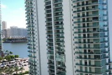 Home for Rent at 170 SE 14th St #2708, Miami FL 33131