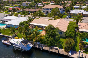 Home for Sale at 4000 NE 24th Ave, Lighthouse Point FL 33064