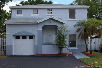 Home for Sale at 4440 SW 72nd Ter, Davie FL 33314