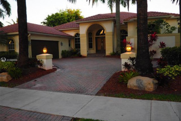 Home for Rent at 2534 Golf View Dr, Weston FL 33327
