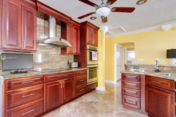 Home for Sale at 1047 Hollywood Blvd, Hollywood FL 33019