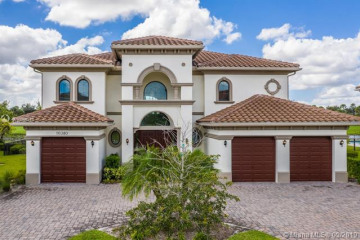 Home for Sale at 10380 S Barnsley Dr, Parkland FL 33076