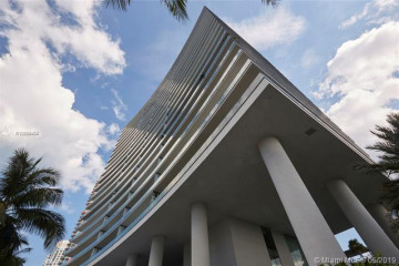 Home for Sale at 800 S Pointe Dr #702, Miami Beach FL 33139