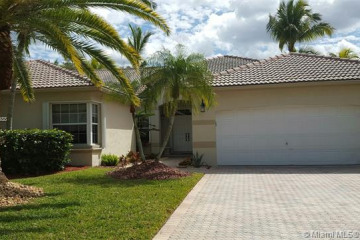 Home for Rent at 180 Montclaire Dr, Weston FL 33326