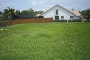 Home for Sale at 9861 SW 3rd Ct, Plantation FL 33324