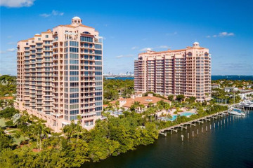 Home for Sale at 10 Edgewater Dr #3G, Coral Gables FL 33133