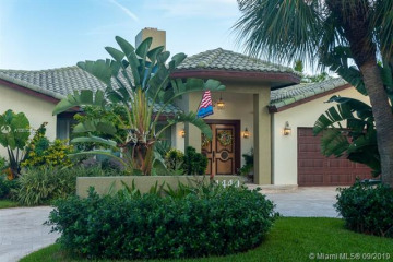 Home for Sale at 4440 NE 29th Ave, Lighthouse Point FL 33064