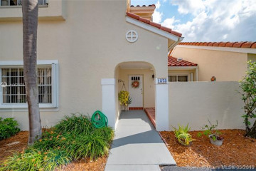 Home for Sale at 1573 Springside Dr, Weston FL 33326