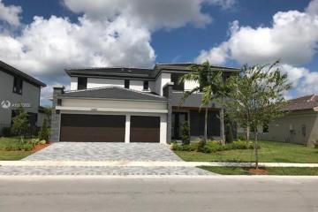 Home for Rent at 10485 S Lago Vista Cir, Parkland FL 33076