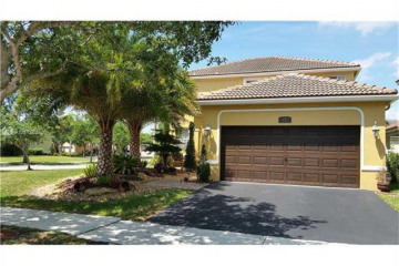 Home for Rent at 1518 Maple Dr, Weston FL 33327