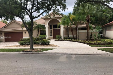 Home for Rent at 1056 Creekford Dr, Weston FL 33326