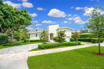 Home for Rent at 717 Benevento Ave, Coral Gables FL 33146