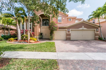 Home for Rent at 19167 S Gardenia Ave, Weston FL 33332
