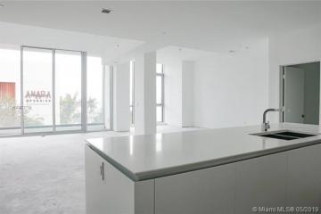 Home for Sale at 650 NE 32 St #BH4, Miami FL 33125