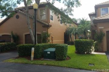 Home for Sale at 1413 Veracruz Ln #6-11, Weston FL 33327