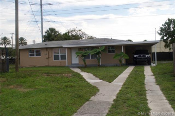 Home for Sale at 1101 SW 51st Ave, Plantation FL 33317