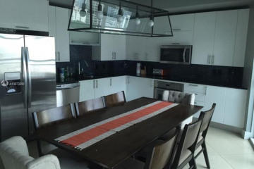 Home for Sale at 60 SW 13 St #1724, Miami FL 33130