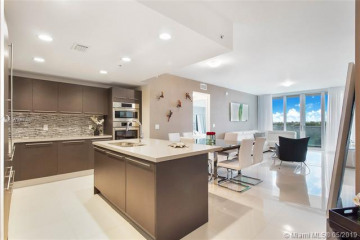 Home for Sale at 7825 NW 107 Ave #314, Doral FL 33178