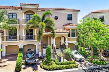 Home for Sale at 306 Del Sol Cir, Tequesta FL 33469