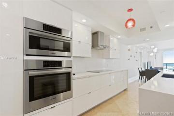Home for Sale at 1800 S Ocean Dr #LPH4208, Hallandale FL 33009