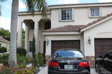 Home for Rent at 712 Tulip Cr, Weston FL 33327