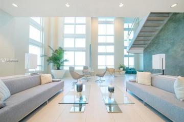 Home for Sale at 1900 N Bayshore Dr #3406, Miami FL 33132