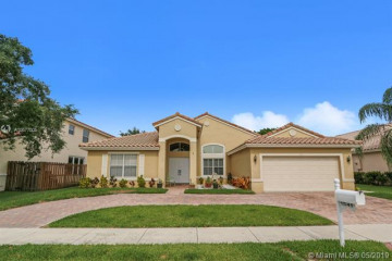 Home for Sale at 1541 SW 190th Ave, Pembroke Pines FL 33029