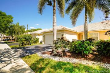 Home for Sale at 4193 Pine Ridge Ln, Weston FL 33331