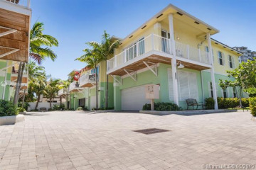 Home for Sale at 3206 NE 16th St, Pompano Beach FL 33062