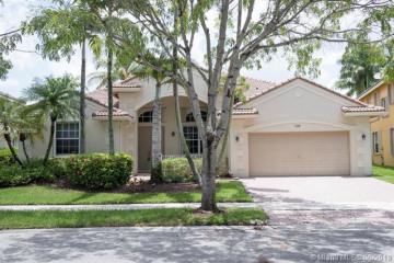 Home for Rent at 1258 Crossbill Ct, Weston FL 33327