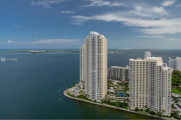 Home for Rent at 335 S Biscayne Blvd #4009, Miami FL 33131