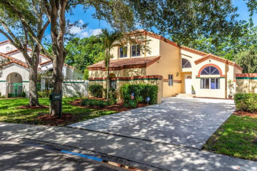 Home for Sale at 1317 Harbour Side Dr, Weston FL 33326